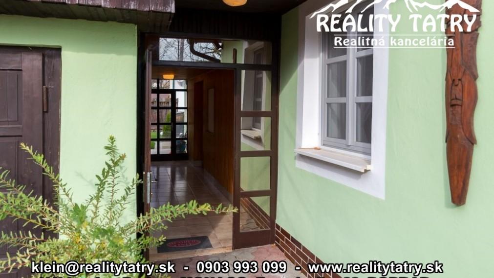 Historický meštiansky dom na okraji Spišsko-sobotského námestia - Bývanie aj Kancelárie - Odporúčame !!!