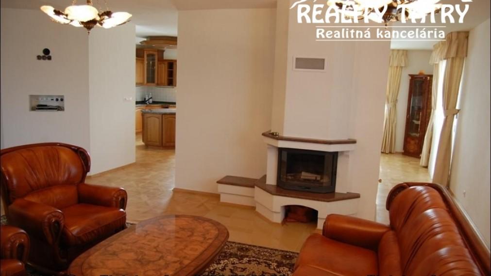 Luxusný nadštandardný apartmánový byt 209 m2 v centre mesta v Poprade - TOP STAV ODPORÚČAME !!!