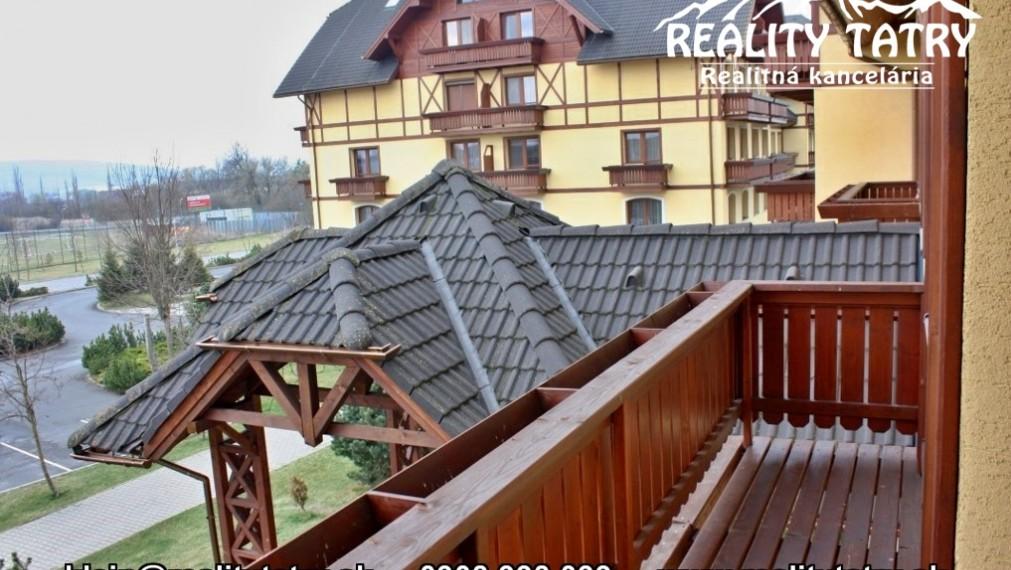 Byt 2 izbový s balkónom a parkovacím státím vo Veľkej Lomnici - TOP STAV !!!