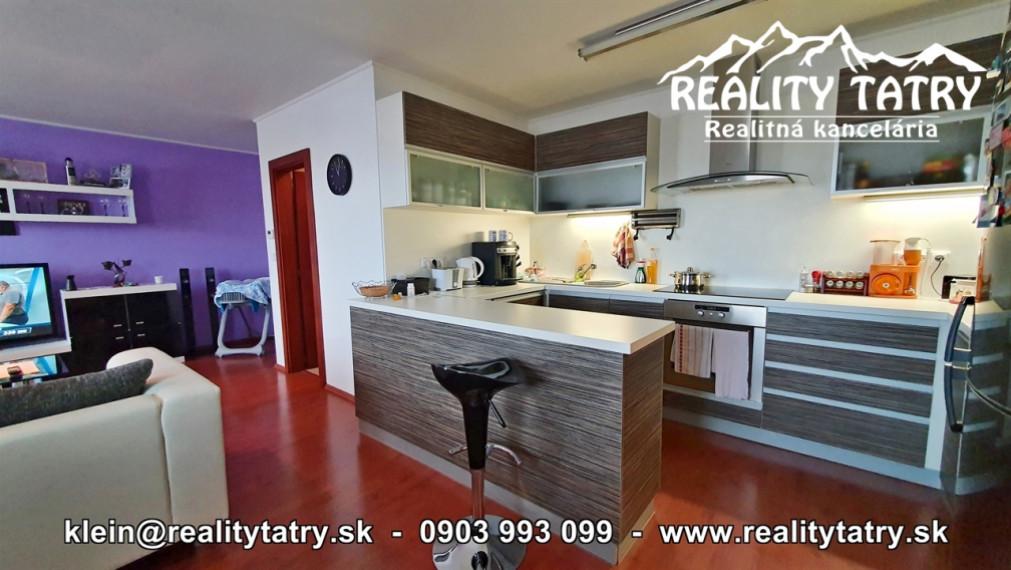 Byt 3 izbový 76,5 m2 v blízkosti centra na ul Drevárskej v Poprade - ODPORÚČAME !!!
